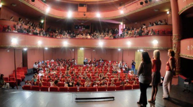 OUI À L'UNIVERSITÉ EN CENTRE-VILLE, MAIS pourquoi donc transformer le théâtre historique en amphithéâtre ?
